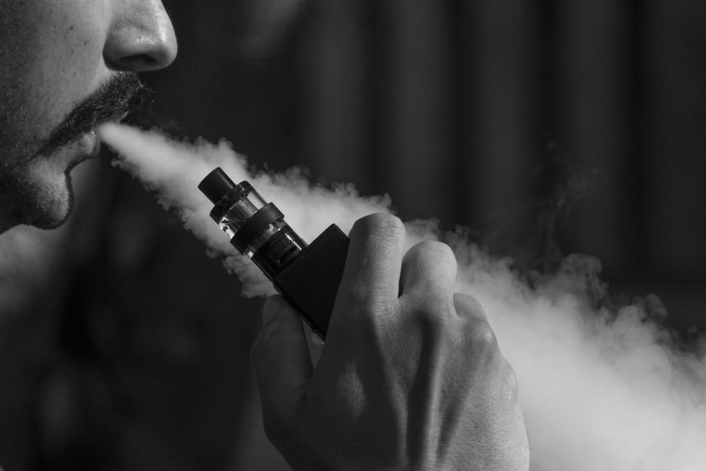 Reasons to Turn to DIY E-Cigarette Liquid Flavors